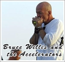 Bruce Willis toca gaita com The Accelerators