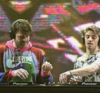 Após show no Lollapalooza, The Chainsmokers libera a nova música 'The One'