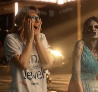 "Taylor Swift ""mata"" suas antigas versões no clipe de 'Look What You Made Me Do'"