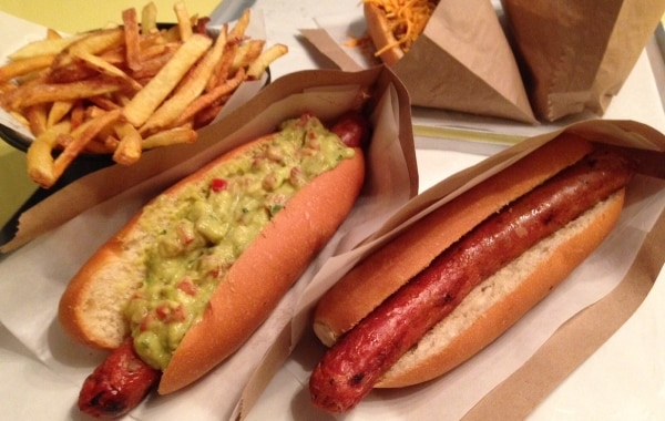 Hot Rod Dog - cachorro-quente com guacamole