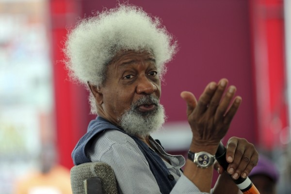 Nobel laureate Wole Soyinka speaks to pupils during a mentoring session at the Lagos Book and Art Festival