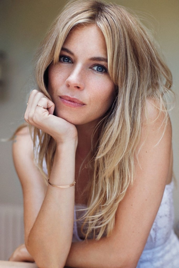 sienna-miller-elle-magazine-november-2013-issue_2