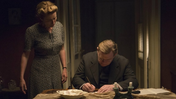Clássico, careta, mas comovedor: 'Alone in Berlin'