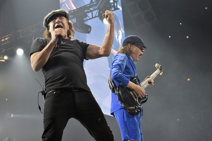 Brian Johnson (e) e Angus Young