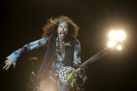 Singer Steven Tyler of Aerosmith performs during a concert to celebrate City Day in central Moscow, Russia, September 5, 2015. REUTERS/Maxim ShemetovEDITORIAL USE ONLY. NOT FOR SALE FOR MARKETING OR ADVERTISING CAMPAIGNS.