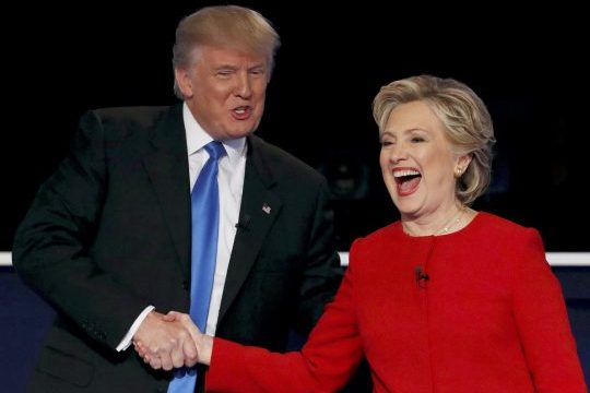 Donald Trump e Hillary Clinton durante debate em 2016. Foto: REUTERS/Mike Segar
