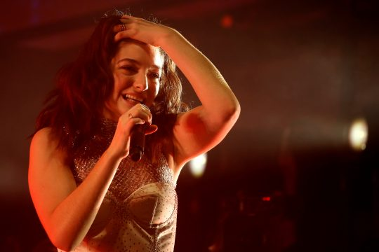 Lorde no Coachella 2017. Foto: REUTERS/Carlo Allegri