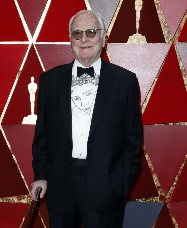 AXG001. Los Angeles (United States), 04/03/2018.- James Ivory arrives for the 90th annual Academy Awards ceremony at the Dolby Theatre in Hollywood, California, USA, 04 March 2018. The Oscars are presented for outstanding individual or collective efforts in 24 categories in filmmaking. (Estados Unidos) EFE/EPA/PAUL BUCK