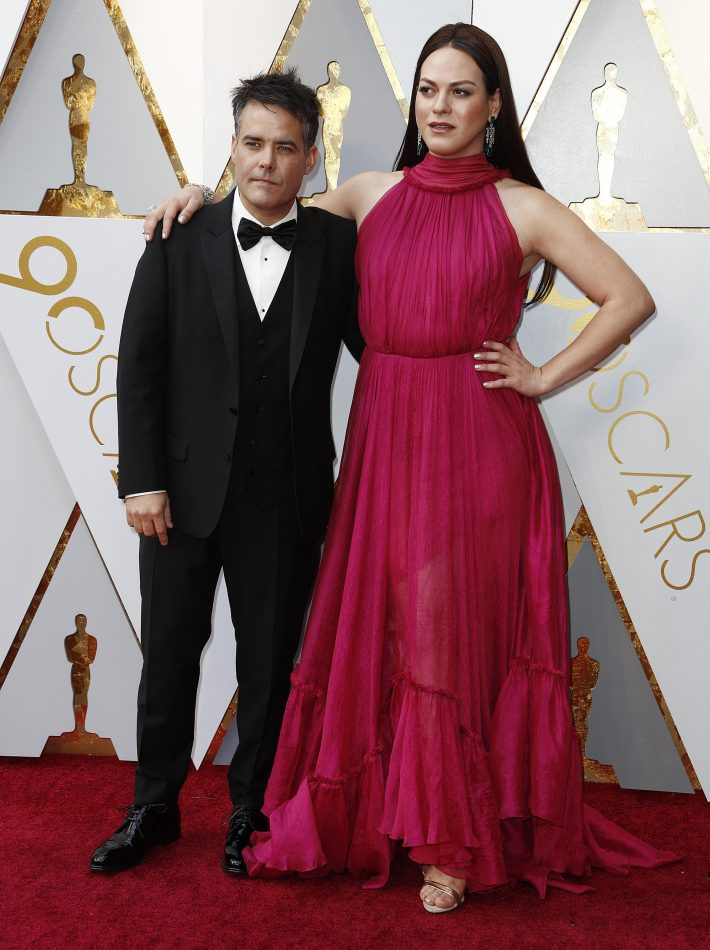 MCX123. Hollywood (United States), 04/03/2018.- Sebastian Lelio (L) and Daniela Vega arrive for the 90th annual Academy Awards ceremony at the Dolby Theatre in Hollywood, California, USA, 04 March 2018. The Oscars are presented for outstanding individual or collective efforts in 24 categories in filmmaking. (Estados Unidos) EFE/EPA/MIKE NELSON