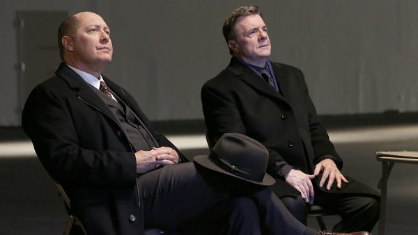 Cena de 'The Blacklist', com James Spader e Nathan Lane (foto: NBC)