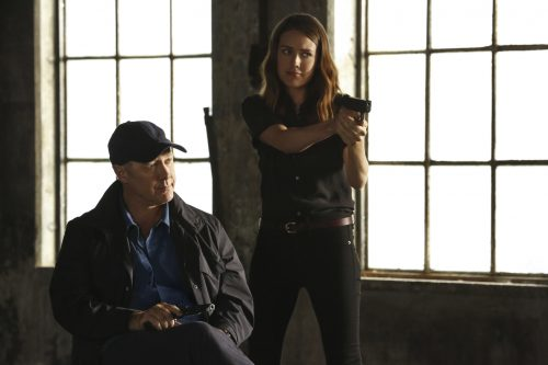 James Spader e Megan Boone, na série The Blacklist (foto: NBC)