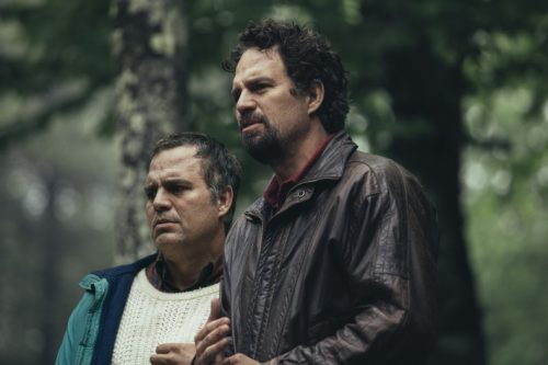 Mark Ruffalo, na série 'I Know This Much Is True' (foto HBO)