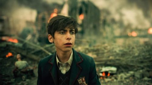 Cinco (Aidan Gallagher), personagem série 'The Umbrella Academy' (foto Netflix)
