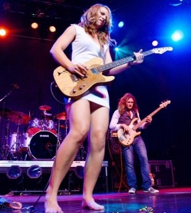 Samantha Fish, 25 anos, é sucesso na cena do blues rock de Kansas City.